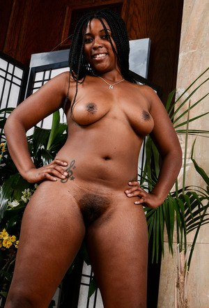 Chunky black amateur Janelle Taylor spreads her legs to display her pink twat