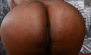 Ebony amateur babe with a chubby body shows off her trimmed pussy and asshole
