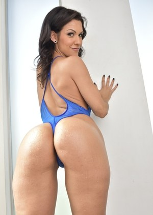 Latin ass galleries