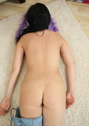Raven haired older MILF Mimi quickly undresses and spreads her labia lips