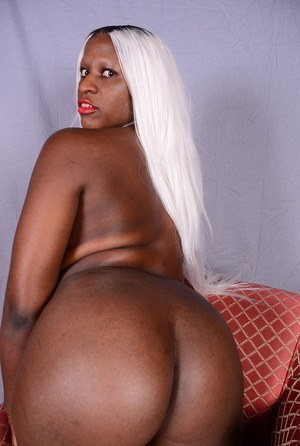Black female with a big booty isn't shy about posing nude for the first time
