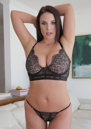 Curvy MILF Angela White unveils her nice melons and big butt in sexy heels