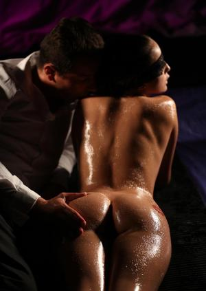 Hot MILF Nicole Love and her man get slathered in oil before fucking