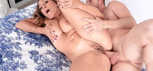 Mature plumper Torri Lee shows the neighbour's boy a real good time