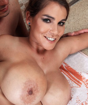 Big breasted female Mischel Lee has her hairy bush banged