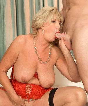 Chubby grandmother Anneke Nordstrum just loves to suck cock