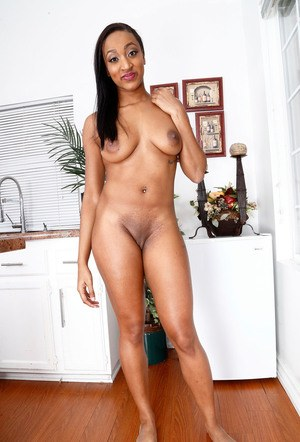 Black solo girl Britney Lee Hunter models in the nude for the first time