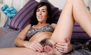 Petite brunette mom Dixie Comet casts aside her sun dress to bare her beaver