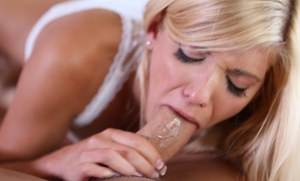 Bisexual blondes Carmen Monet & Anikka Albrite share a big cock in a threesome