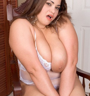 Fat solo girl Gia Johnson unveils her huge boobs before baring her big ass