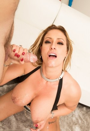Top MILF pornstar Eva Notty uses her nice boobs to provide sexual satisfaction