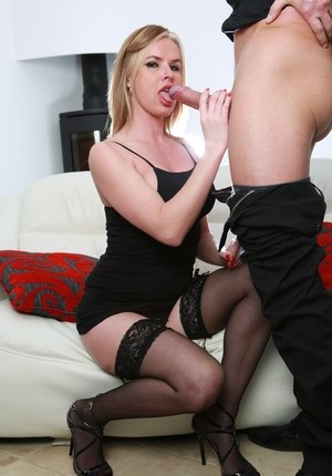 Blonde chick Summer Rose spits out the nasty load of cum in her mouth