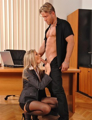Hot blonde secretary deepthroats her boss's cock on a Monday morning