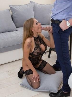 Hot chick Ariel Temple pleases her guy's cock in sexy lingerie and nylons