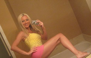Blonde amateur Diana Doll gets naked for bathroom selfies
