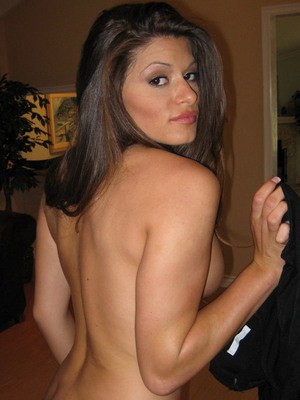 Ex-girlfriend Madelyn Marie takes it off for her bf after a couple of selfies
