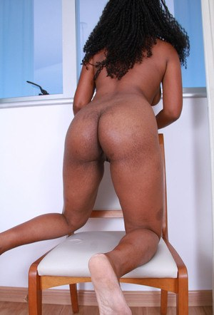 Black amateur displays the inner pink of her twat after bikini removal