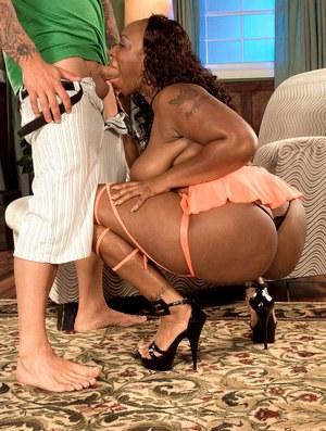 Black chick Skyy Black finishes off a fuck with jizz all over her big booty
