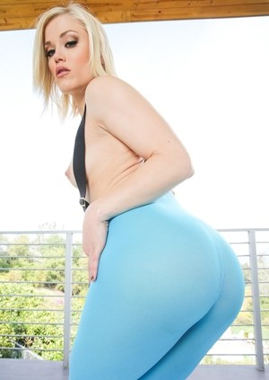Platinum blonde model Ash Hollywood removes suspenders and yoga pants