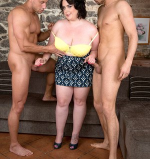 BBW Sarah Jane gets relieved of her clothes before sucking off two men