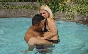 Thick Latina chick Manu Venturini seduces a guy in the swimming pool