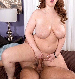 BBW Felicia Clover gets fucked hard after her nipples get sucked on
