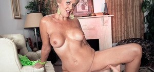 Short haired mature woman Tracy Licks has her lover pump her full of jizz