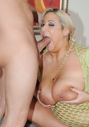 Blonde BBW with big knockers delivers a chipmunking blowjob