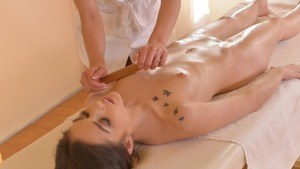 Female masseuse turns her client lesbian while giving a massage