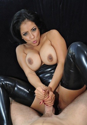 Hot Latina chick Kiara Mia spits out cum after pleasuring a cock