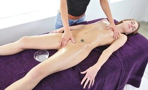 massage with oil on her nude