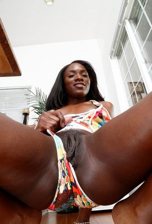 Naked ebony vagina
