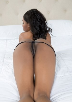 Black solo girl Sarah Banks toys her pussy with a butt plug in her anus