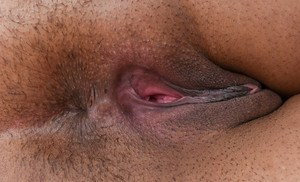 Solo model Loni Legend spreads her labia lips after undressing