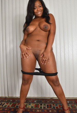 Thick black chick Monique Symone embarks upon a career in nude modeling