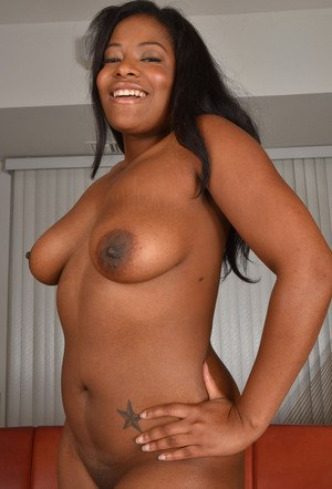 Black plumper Monique Symone makes her nude modelling debut