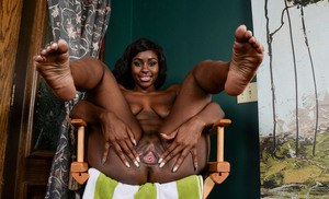 Black plumper Camille Amore shows off the inside of her pink twat
