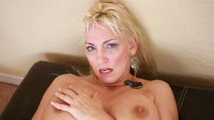 Older blonde lady Cala Craves works up a sweat while masturbating