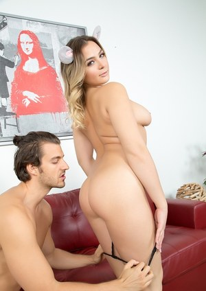 Naked chick Blair Williams ends up with jizz on her pierced tongue and face