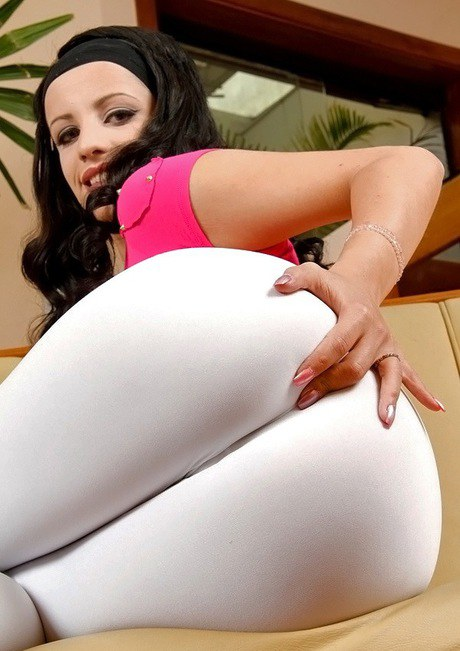 Latina Yoga Pants Masturbation
