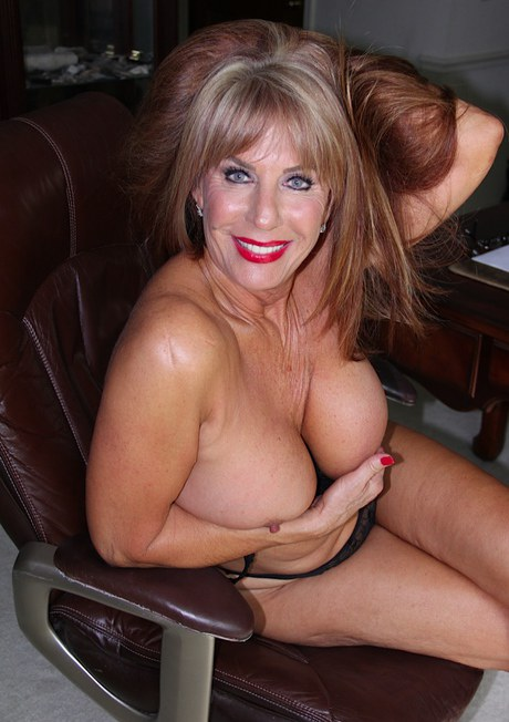Nude Milf Pictures