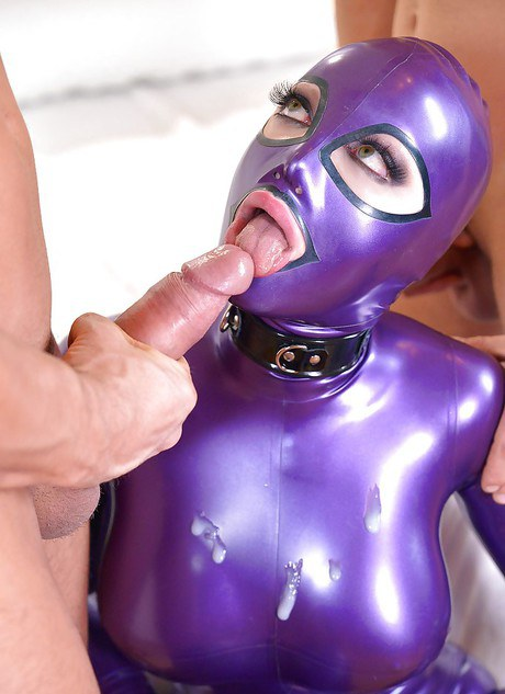Latex Lucy Is Into Kinky And Stuff She Loves Pornvibe 1