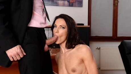 Linda Moretti Uses Dildo While Sucking Thick Cock Yes Porn Please 1