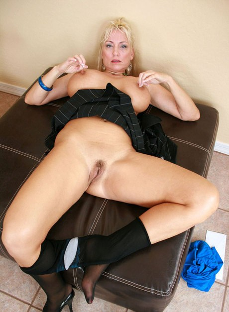Dressing room blonde milf